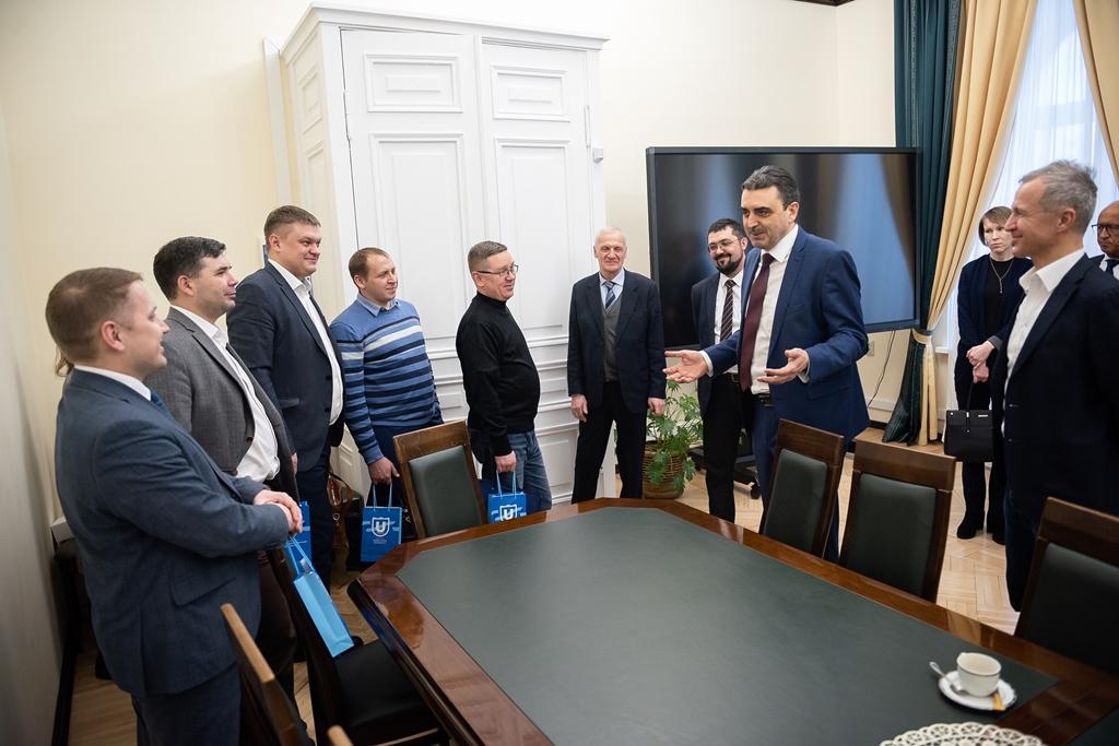 Учёные ТГУ презентовали концерну «Калашников» свои разработки