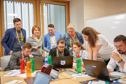 Сотрудники ТГУ проводят мастер-классы на интенсиве «Остров 10-22»