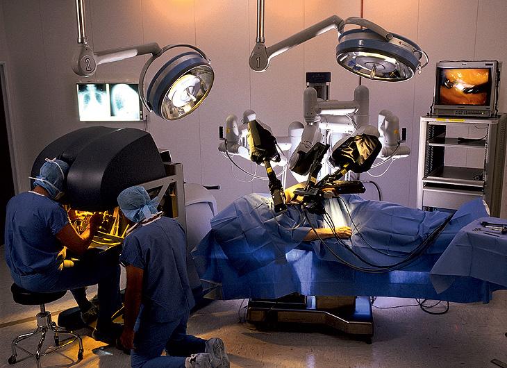 Роботы в операционных