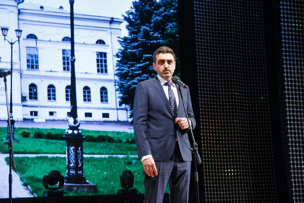 Э.Галажинский